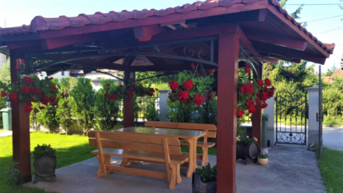 Pergolas & Wooden Benches - Artumwood